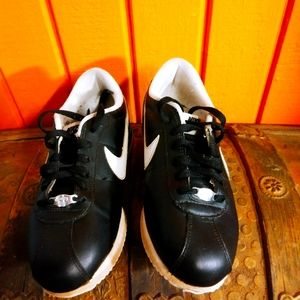 Black leather Nike Cortez